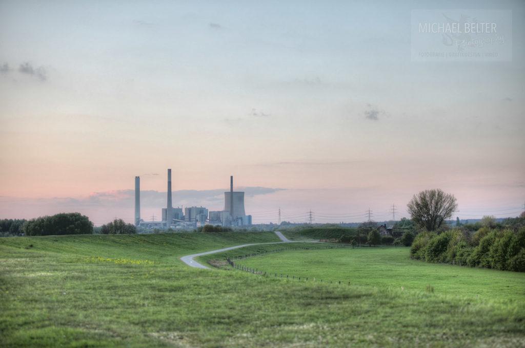 Bild 06: Kraftwerk Voerde von weitem