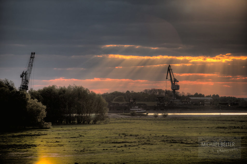 Bild 05: Hafen Orsoy im Sonnenuntergang