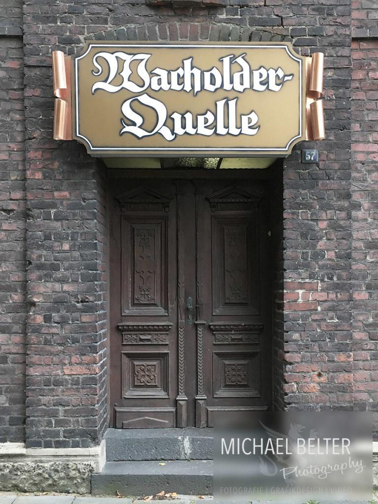 Alt-Walsum und die Claus Wacholderbrennerei - Claus Wacholderbrennerei Walsum - Details der Tür